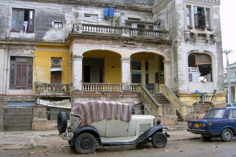 Não é uma máquina do tempo - é a Havana de Fidel.